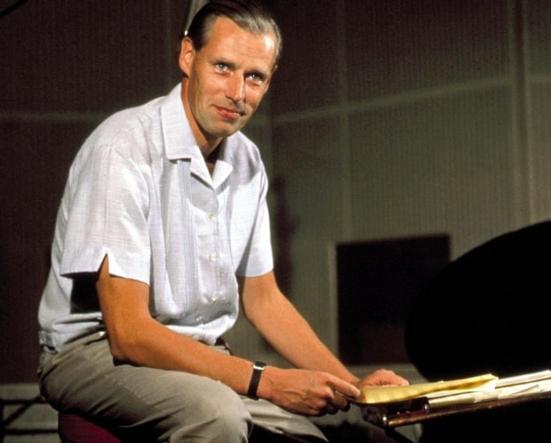 George Martin, Beatles producer, dead at 90