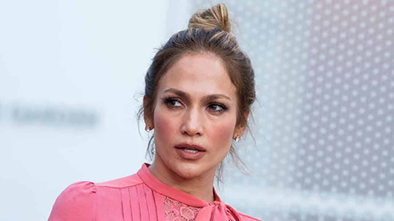 Jennifer Lopez Under Fire For 'All Lives Matter' Tweet 1