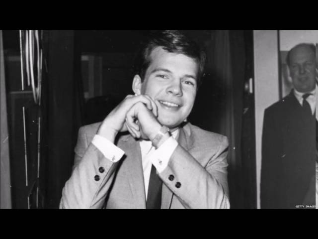1960s pop singer Bobby Vee dies aged 73 of advanced Alzheimer's disease 5