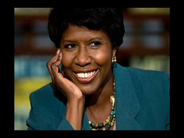 Gwen Ifill, Award-Winning Political Reporter and Author, Dies at 61 39