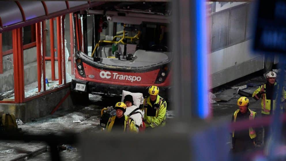 23 Injured 3 dead in Ottawa bus crash