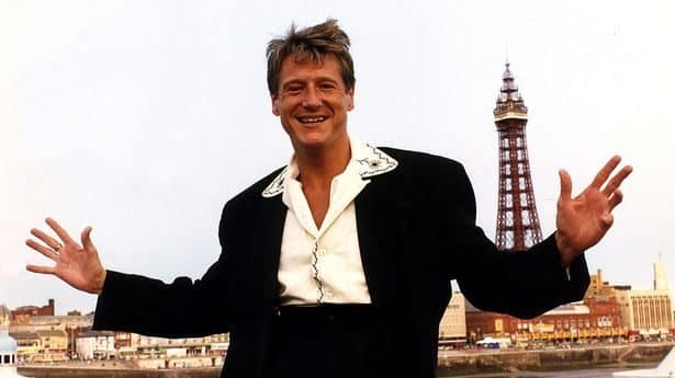 64-Year-Old Joe Longthorne, singer and impressionist is Dead 3