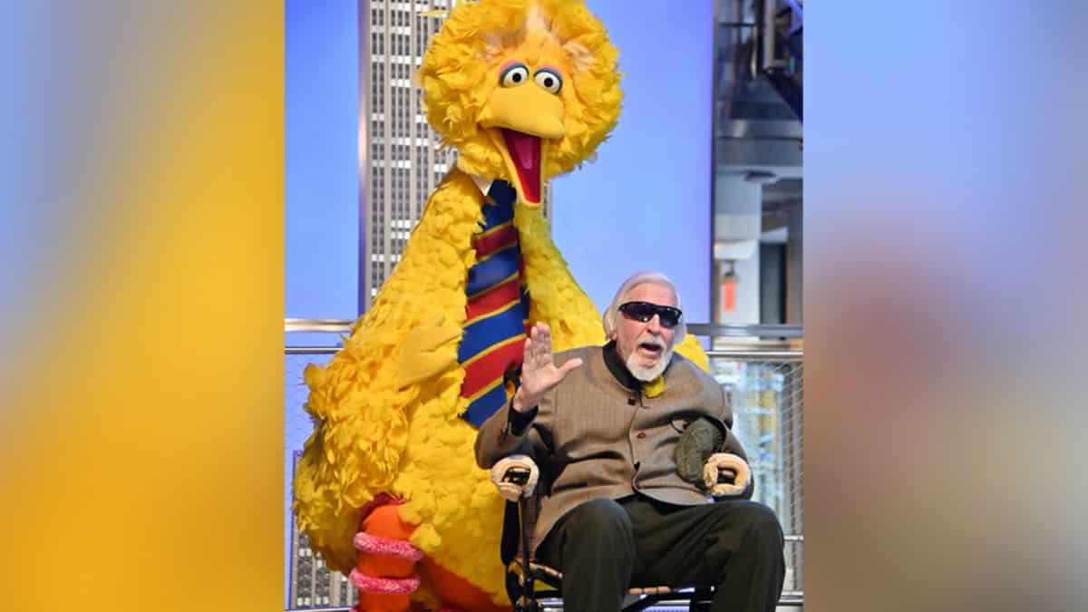 Caroll Spinney Sesame-Street puppeteer dies at age 85